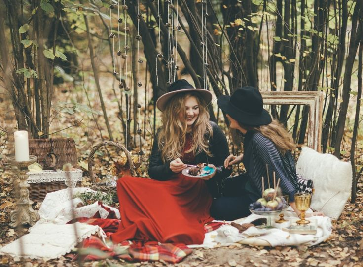 Feel cozy. Autumn, picnic, hat, girls, inspiration, plaid, beauty, wood, forest.