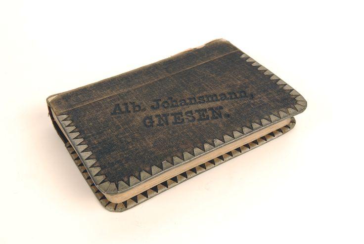 Obwoluta książki z wypożyczalni Albina Johansmanna, właściciela antykwariatu i księgarni przy ul. Chrobrego 2. Gniezno, 1888-1898 r.