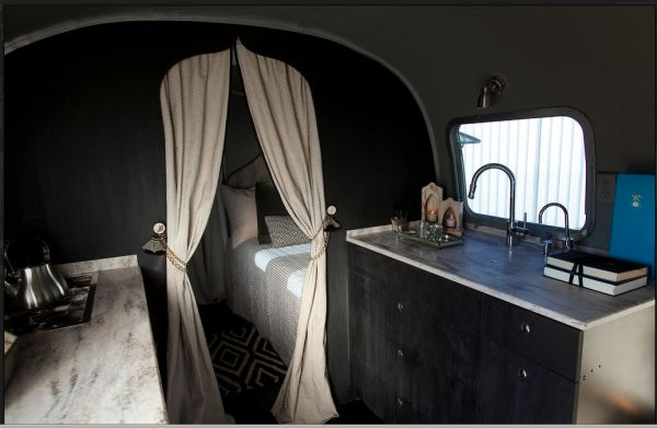 x: Trailers Interiors, Vintage Airstream, Black Kitchens Cabinets, Airstream Interiors, Fashion Blog, Moroccan Style, Gray Wall, Airstream Trailers, Interiors Ideas