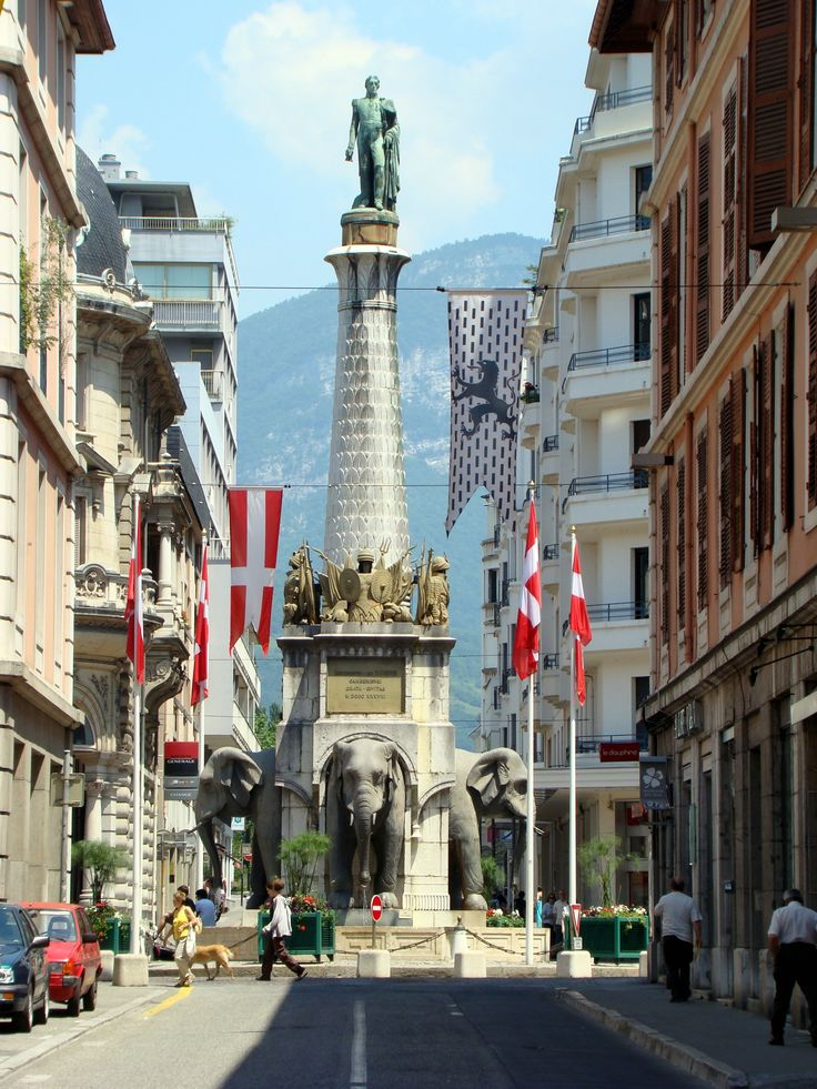 le centre ville de Chambéry. http://www.fasthotel.com/rhone-alpes/hotel-chambery