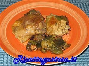 Faraona alla birra con zucchine e friggitelli..  http://www.ricettegustose.it/Secondi_di_carne_1_html/Faraona_alla_birra_zucchine_e_friggitelli.html