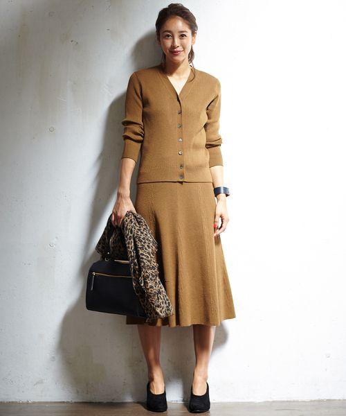 長めのレングス感とマーメイドラインのニットスカート 30代女性のスカート