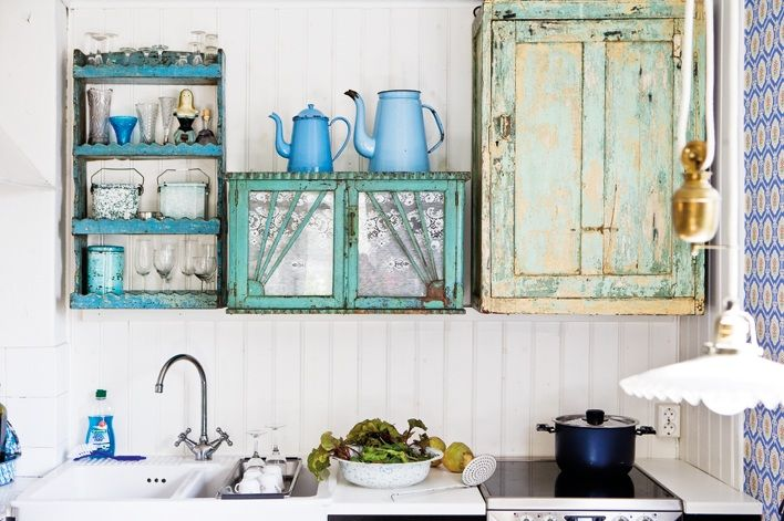 These layer's of well worn paint, paired with pattern and pale shades of blue and green make for such yummy eye candy!