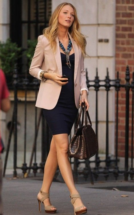 not only is the outfit perfect, the shoes are stunning!!! Simple, casual, and even seem comfortable.