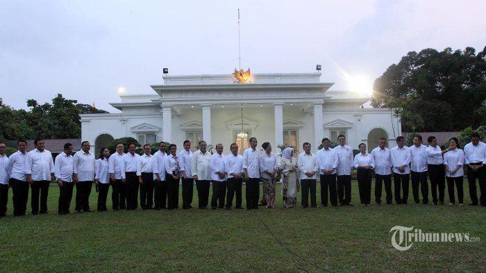 Makna di Balik Seragam Putih Kabinet Kerja Jokowi-JK