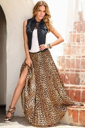 Boston Proper Leopard pleated maxi skirt #bostonproper LOVE this whole outfit ....from the necklace to the shoes