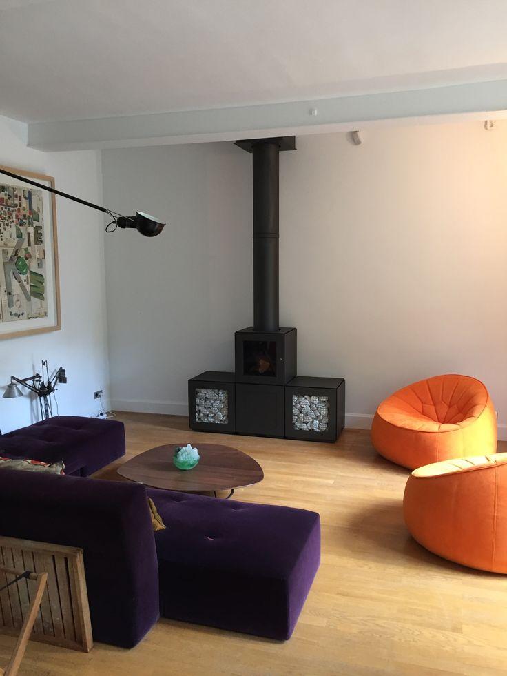 Installation du jour #decoration #architecte #poeleabois #stove #starck #speetbox #speeta poêle à bois #speetbox appareil connecté pilotable smartphone et mobilier accumulateur de chaleur. Pour