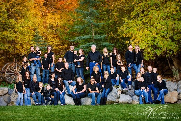Large Family Photograph ... now that may be the only way to get all the Carl's in a photo, if we could only get them all at the same place at the same time.