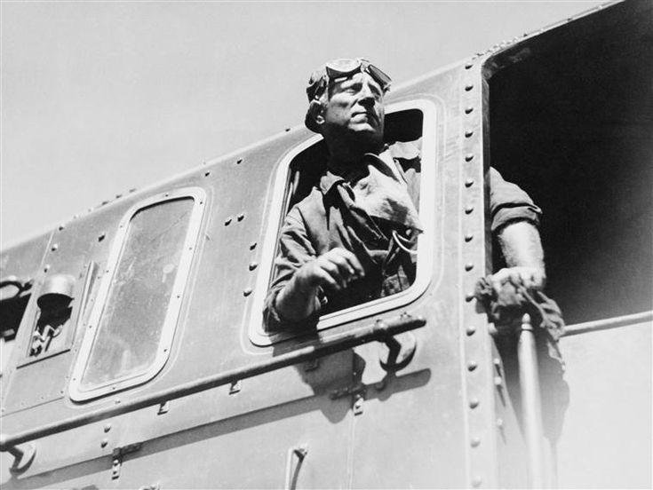 """Tournage de """"La bête humaine"""", film de Jean Renoir - Jean Gabin, Sam Lévin Charenton-le-Pont, Médiathèque de l'Architecture et du Patrimoine"""
