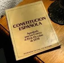 La Constitución de 1978: http://www.slideshare.net/vrodrigolopez/constitucin-78