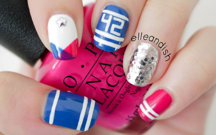 Sporty School Spirit Nails! Represent your school or favorite Sports Team! // elleandish