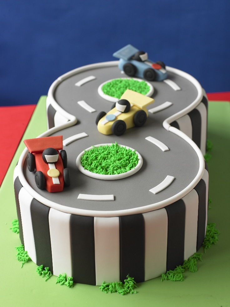 Paste modelling Model Race Cars Race Track #Cake #CakeDecorating #LearnWithUs #Issue23