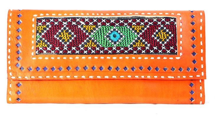 This Hand purse, women's Clutch is durable and long-lasting too, courtesy its leather make daily essentials with multiple card slots, 7 credit card slots. 1 transparent ID card window and another one for driving license. 1 extra photo window. 1 note compartment for currency. 2 chain compartment for  #Buyhandbagsonline #HandmadeHandbags #Authenticdesignerhandbags #Womenswallets #Pursesonline #Handmadeitems #Styleincraft