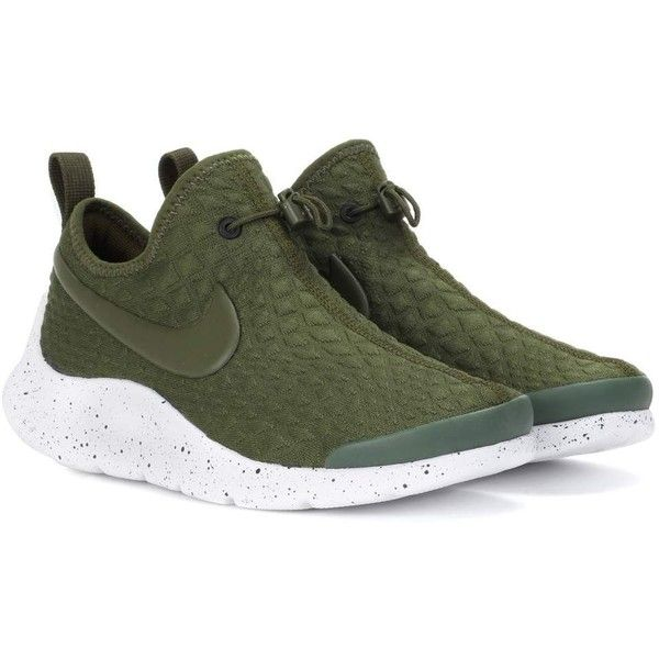 Nike Nike Aptare Sneakers (5,515 PHP) ❤ liked on Polyvore featuring shoes, sneakers, green, nike footwear, nike trainers, green shoes, nike and nike shoes