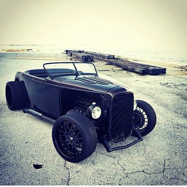 32' Ford. Awesome. Classic hotrod, roadster, t-bucket, whatever you call them, they're the original