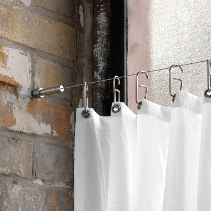 Edelstahl massiv, Elemente aus einem Stück gedreht, handgeschliffen. Eine Alternative zur festen Duschvorhangstange oder wenn die Situation keine feste Duschvorhangstange zulässt, wie...