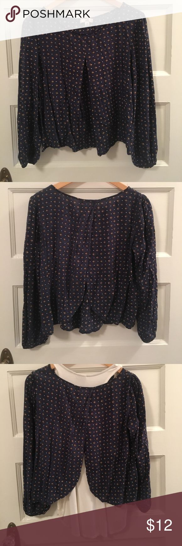 YA Los Angeles open back long sleeve tunic top YA Los Angeles open back long sleeve tunic top navy with brown and cream print. The third pic shows how I've worn it with a cream colored tank underneath (tank not for sale). Long sleeves and meant to be flowy. Bundle for savings and make me an offer! Ya Los Angeles Tops Tunics