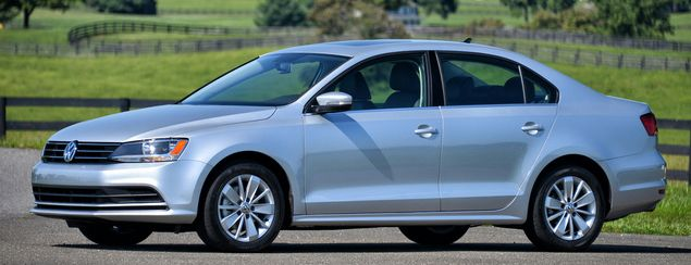 2015 Volkswagen Jetta Owners Manual – The Volkswagen Jetta gets a selection of updates for 2015. They consist of the front side and rear design changes and new architectural improvements, the second option of that have led to enhanced frontal effect safety check rankings. Within...