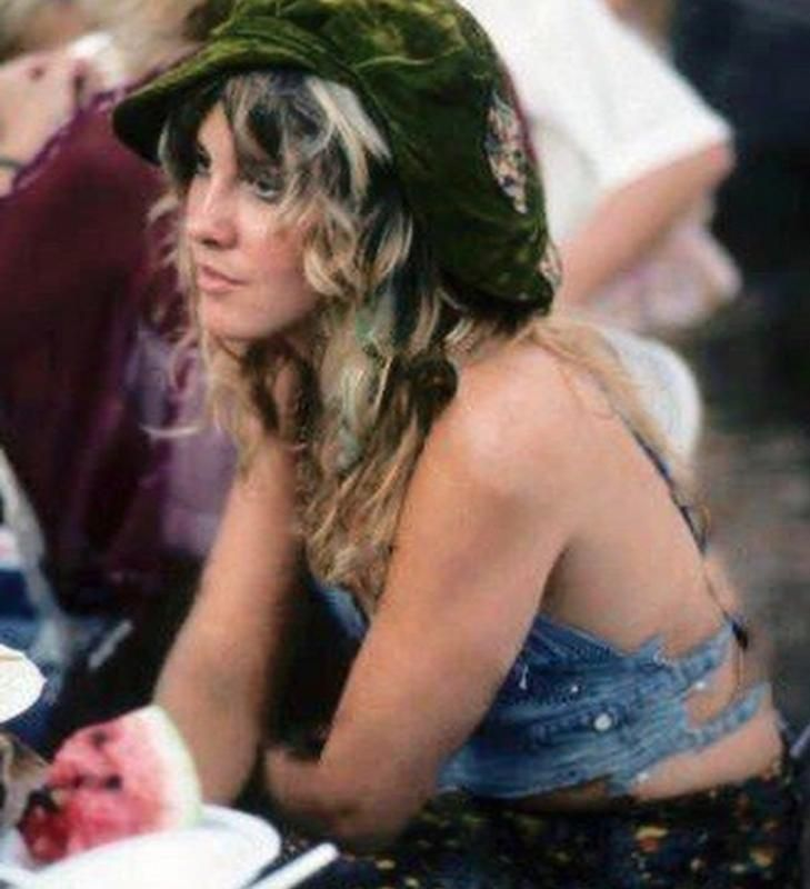 64 Groovy Photos So Beautiful We Can T Look Away Stevie Nicks Photos From The 70s Stevie