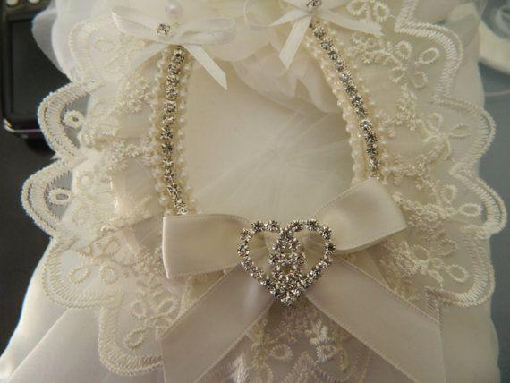 Wedding Good Luck Horseshoe Keepsake charm by WeddedBlissBridal