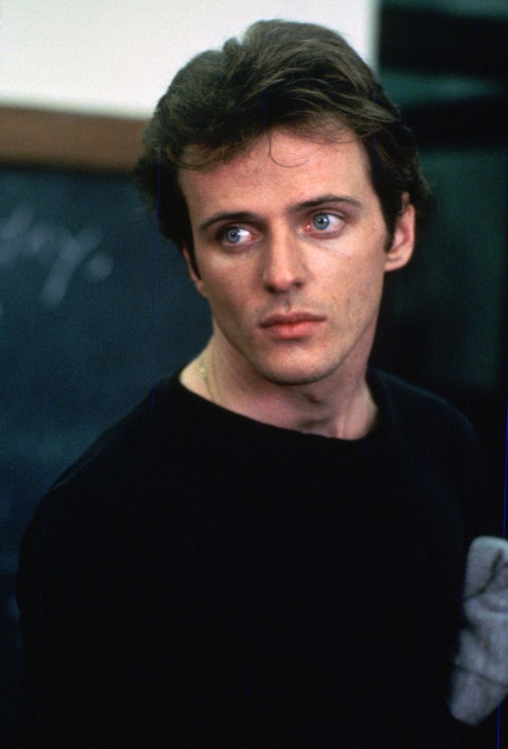 Okay, so Aidan Quinn's not a perfect match for this board, but when I saw him in Desperately Seeking Susan, I wanted to be hit on the head, lose my memory and end up in Greenwich Village shacked up with Dez.