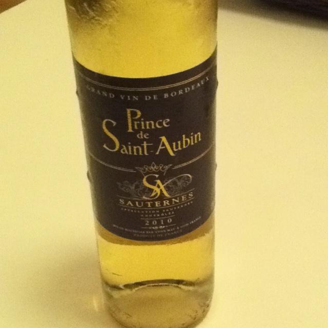 Hoy un #vinoviernes prometedor... Empezamos con un Saurternes, Prince de Saint Aubin... Muy suaaaaveeee