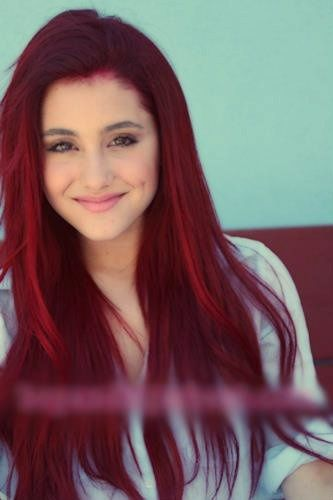 Ariana Grande - looove her hair colour!!! Such a natural and beautiful pic of her as always!!!!