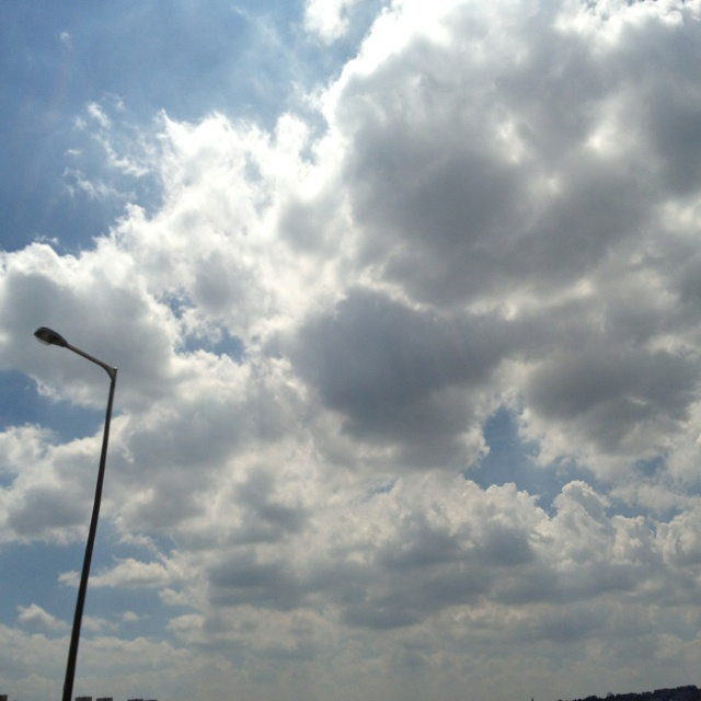 Seoul, S.Korea _ fri, August 03, 2012 _ sky _ foto by Hong Sukwoo