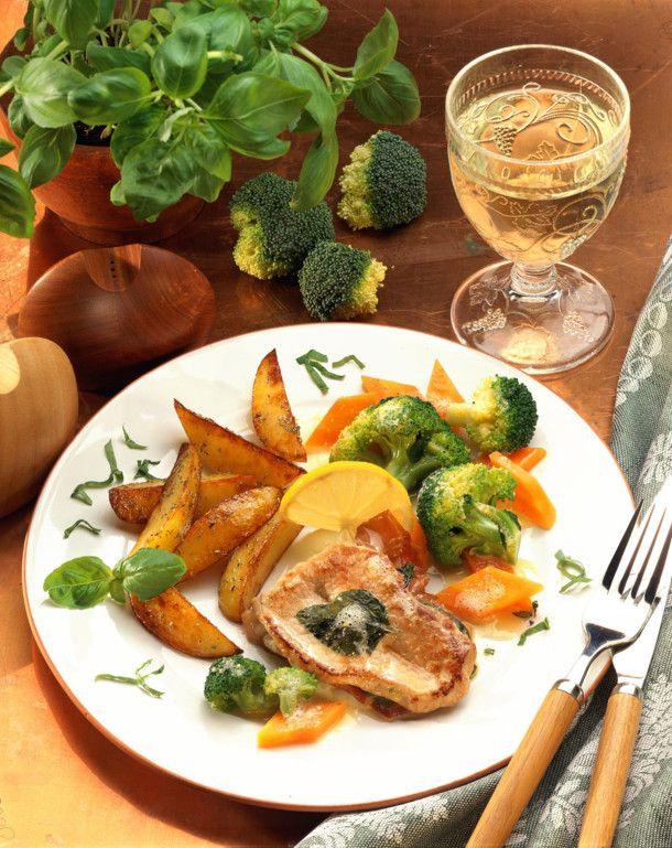 Unser beliebtes Rezept für Schnitzel à la Saltimbocca und mehr als 55.000 weitere kostenlose Rezepte auf LECKER.de.