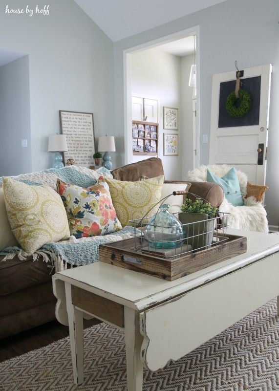 31 best HOME: Living Room and Family Room Ideas images on Pinterest