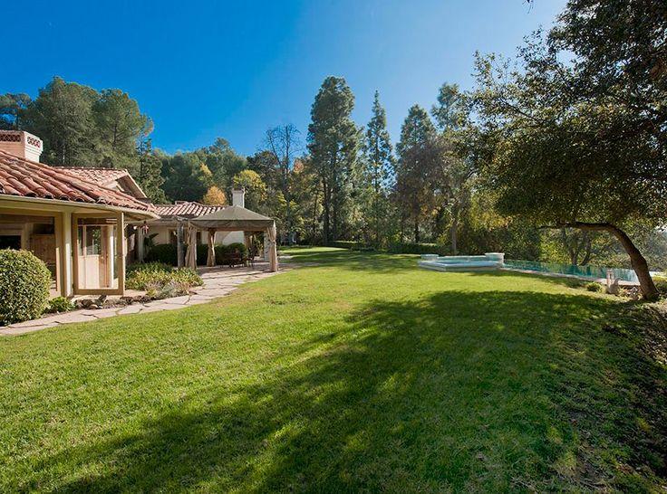 La jardin de la nouvelle demeure de luxe à Los Angeles de Pete Sampras.