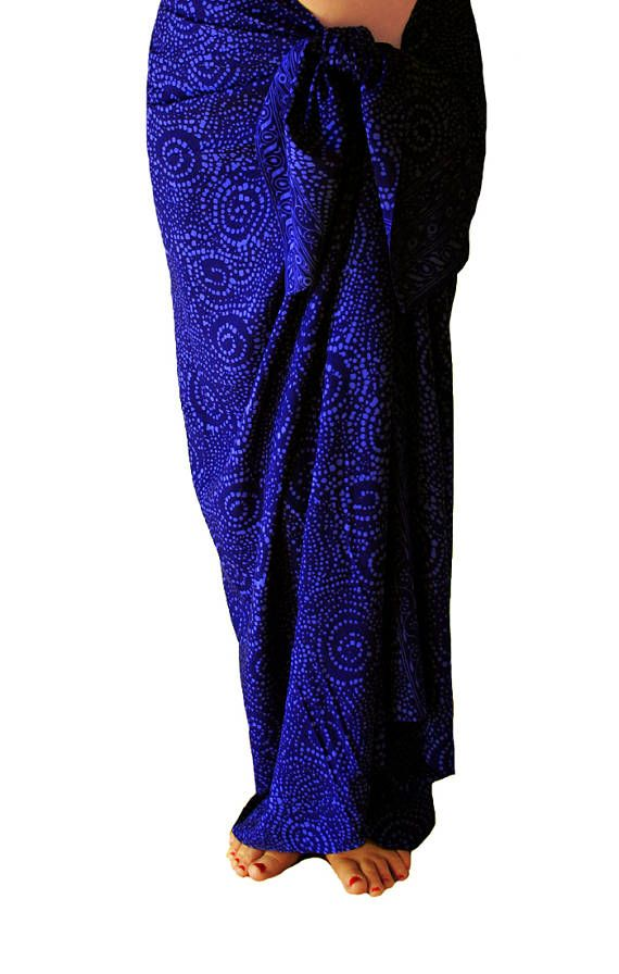 Dark indigo blue beach sarong ~ Starry nite motif ~ Batik sarong for men or women ~ Casual colorful beachwear in a spiral design ~ Swimwear cover up ~ Festival clothing Measures: 71 x 45 Fabric: Rayon See our entire selection of sarongs: http://www.etsy.com/shop/PuaWear?section_id=6179238