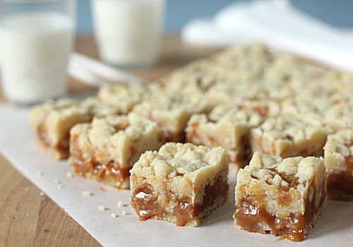 Craving Gooey Caramel Butter bars. I know I already have lots of pins like this, I just can't resist.