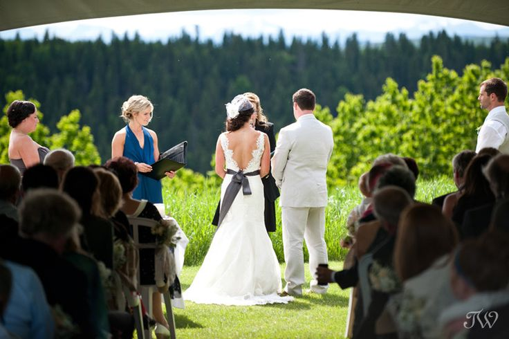 Calgary wedding photographer   My day as a second shooter   Priddis Greens wedding