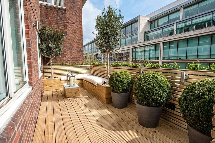 London homes with gorgeous roof gardens gardens trees for Terrace trees