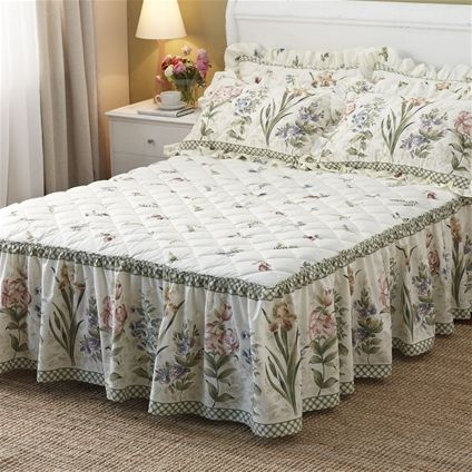 Meadow-sweet bedspread - as bright as a summer day!