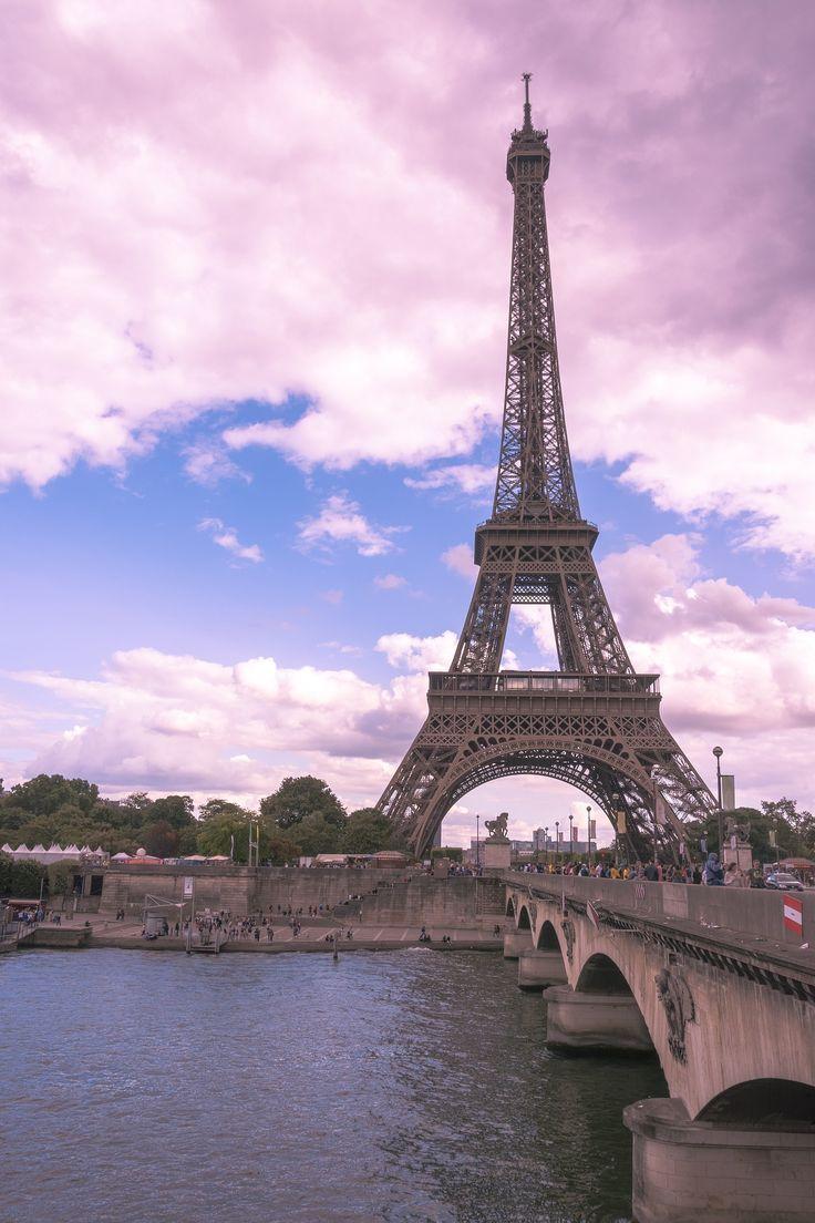 Torre Eiffel al tramonto – Romantica Parigi  #parigi #torreeiffel #francia www.v…