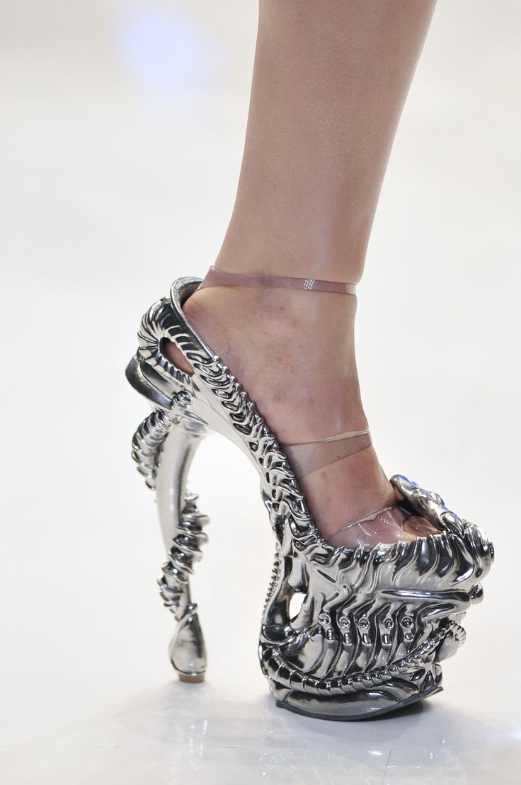 Alexander McQueen metal shoes. Impressive!