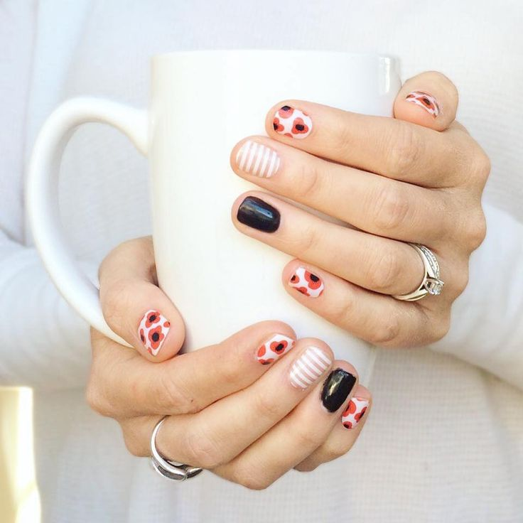 Jamberry helps me remember special days. Lest we forget. Red Poppy, White Stripe, Black Onyx TruShine gel. ❤️ #VeteransDay #RedPoppy (scheduled via http://www.tailwindapp.com?utm_source=pinterest&utm_medium=twpin&utm_content=post116019587&utm_campaign=scheduler_attribution)