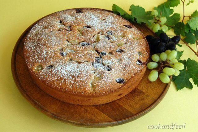 COOKANDFEED : κέικ με σταφύλια/Grape Cake