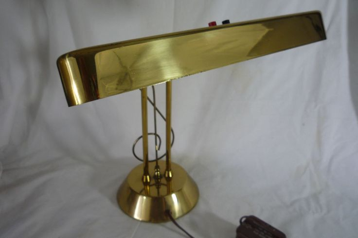 VTG Piano Music Lamp Heavy Base Fluorescent Light Brass Desk Banker Student Clef