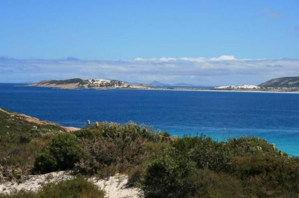 Tranquil Retreat B and B also offer cruises, Eco tours, and wildflower tours as the part of Esperance Holiday Packages at http://bit.ly/1zzBysB