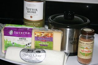 A Year of Slow Cooking: Fancy Cheese Fondue Little Dipper Recipe