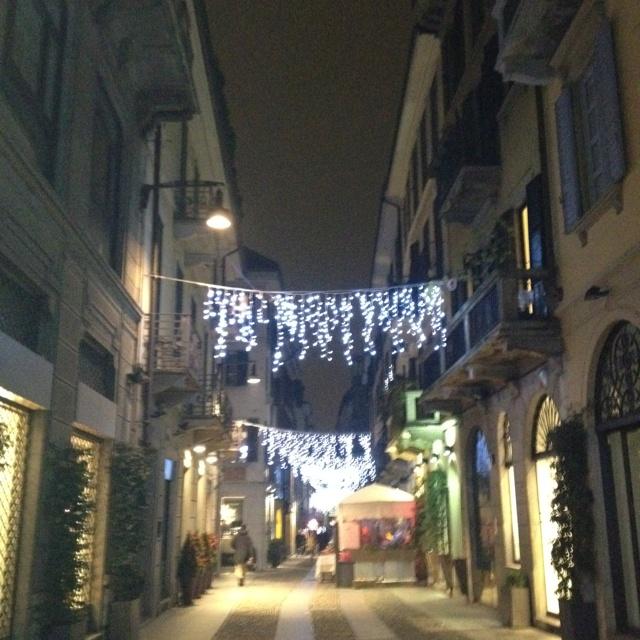 Natale 2011 - Milano ha risparmiato sulle luminarie!
