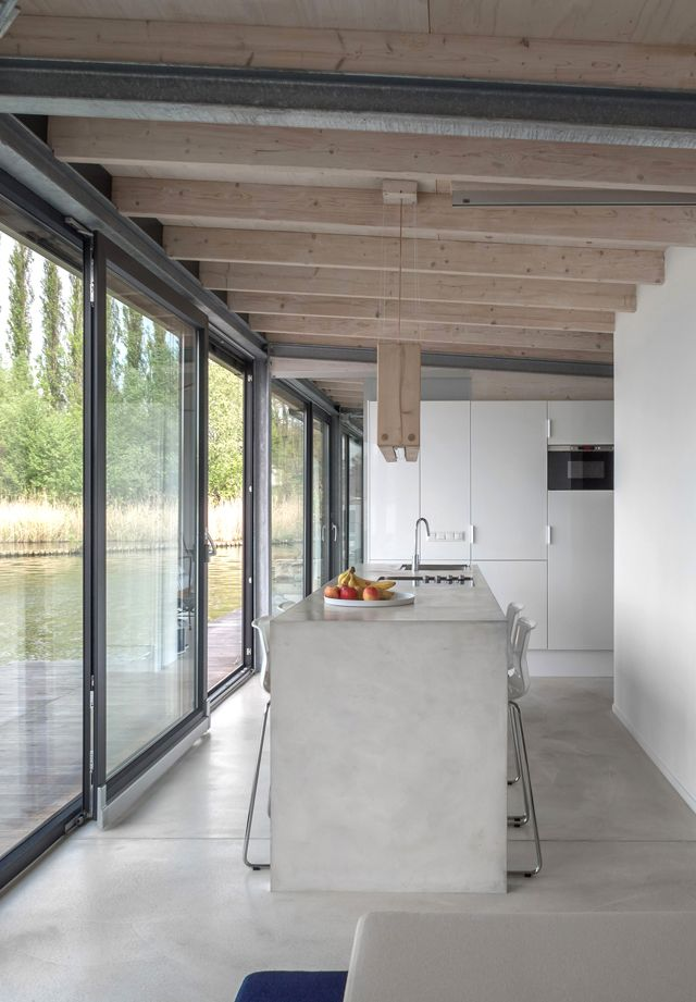 The Travel Files: A MODERN HOUSE BOAT FOR RENT IN BERLIN
