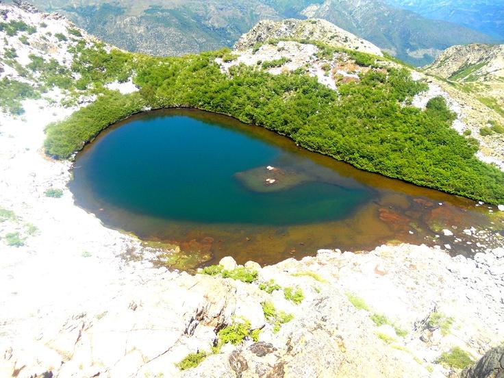 Laguna Huemul, cerca de Las Termas de Chillan, Chile