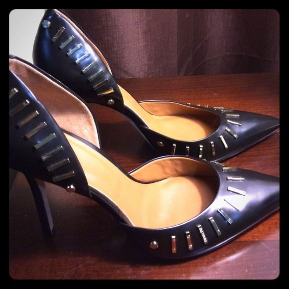 SALE!!! Rachel Roy black & Gold leather pumps! Hottest Trend in shoes.. Gold accessories. Checkout this Rachel Roy's. Very sexy!! Brand new-- never worn. More pix available upon request. RACHEL Rachel Roy Shoes Heels