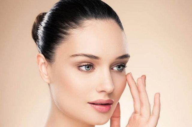 NEWS - campoestetico.it C'è una nuova tecnica che promette di rinnovare e rendere più elastica la pelle del viso che si chiama deep skin resurfacing ed è un'insieme di due trattamenti: il laser Co2 frazionato e le...