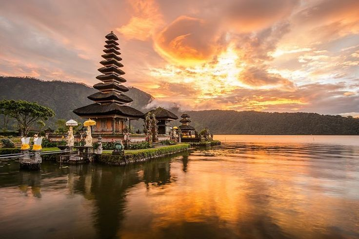 Pura Ulun Bali Indonesia #travel #traveling #vacation #visiting #instatravel #instago #instagood #trip #holiday #photooftheday #fun #travelling #tourism #tourist #instapassport #instatraveling #mytravelgram #travelgram #travelingram #igtravel