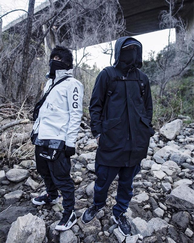 Fit by AXc13342_addc_z//1234 @vanjwong Shot by @mathimattykill Nike ACG 2 in 1 Jacket Nike… More